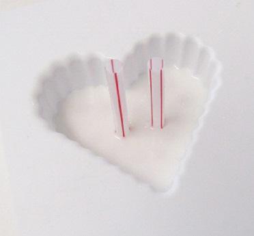 Bước 4: đổ lớp xà phòng trắng lên